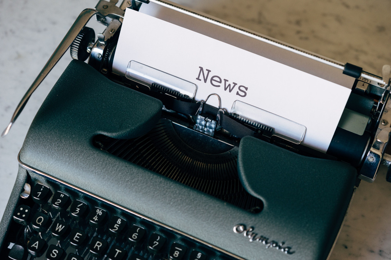 Typewriter news photo from Markus Winkler on https://unsplash.com/photos/k_Am9hKISLM